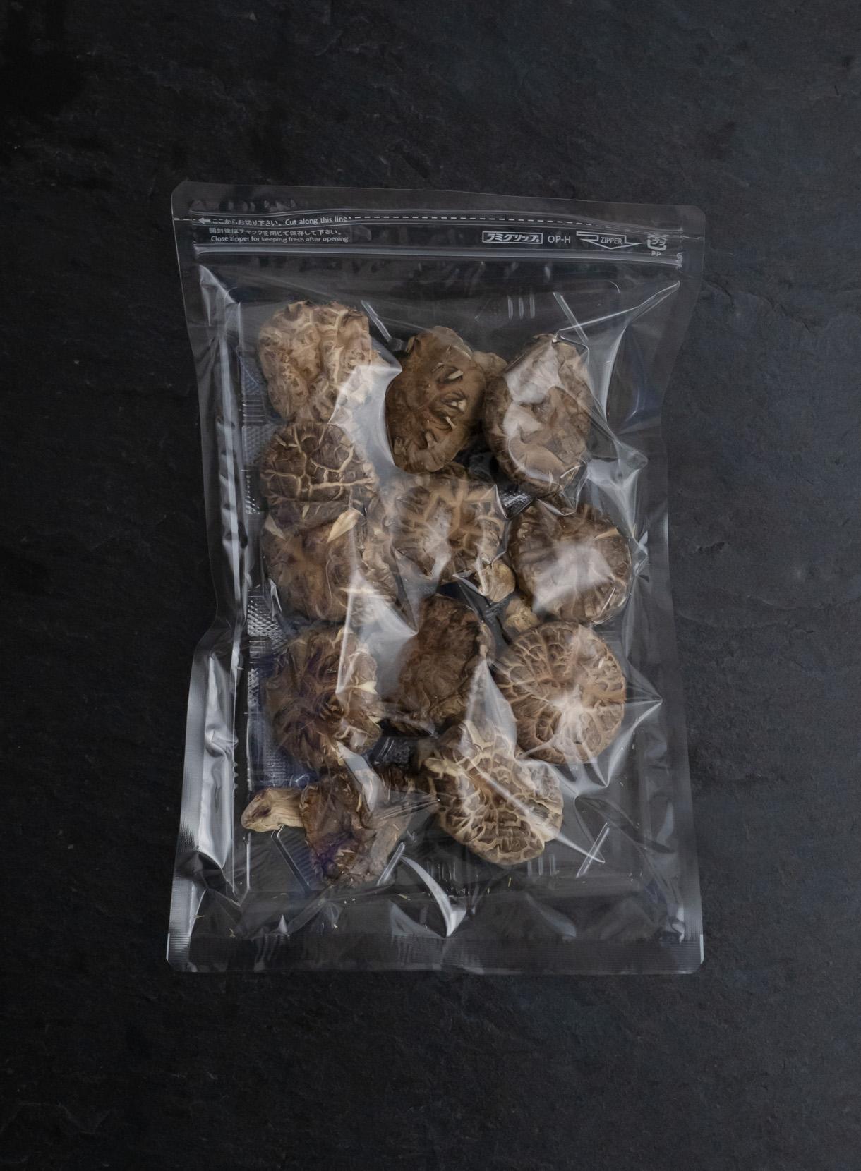 洋野町産 乾燥原木椎茸 冬菇(どんこ)90g